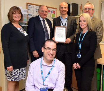 Warwick Hospital awarded for commitment to patient safety by the National Joint Registry